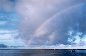 Bahía con arcoiris